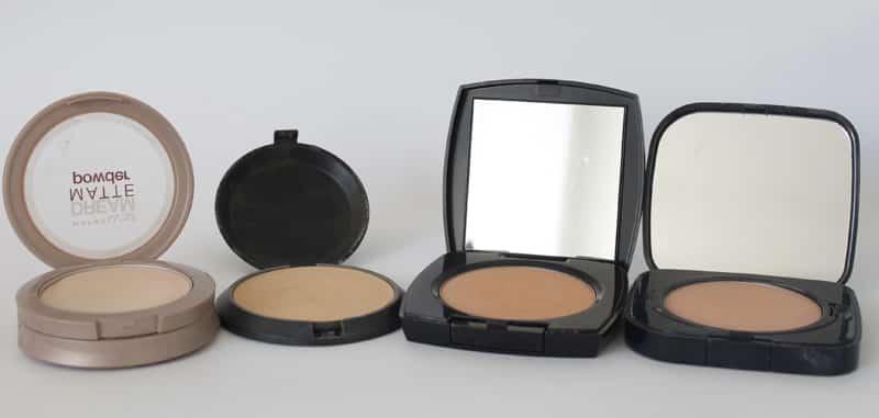 Foto mostrando dieferentes embalagens de pó facial