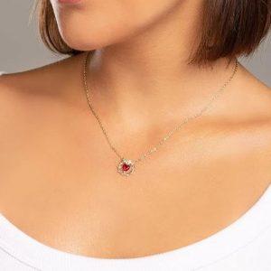 Colar Rommanel feminino elo português com pingente Sagrado Coração de Jesus com 1 cristal formato coração, 50 cm - Cód 532065